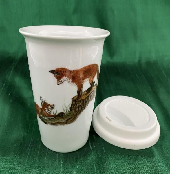 """Coffee-to-go-Becher """"Spielende Füchse auf dem Baumstamm"""""""